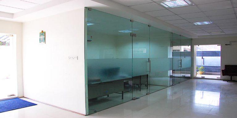 Frameless-Doors-Fixed-Patch-Fitting-Glass-768x384