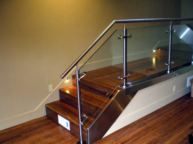 Stainless-Railings-1-768x576
